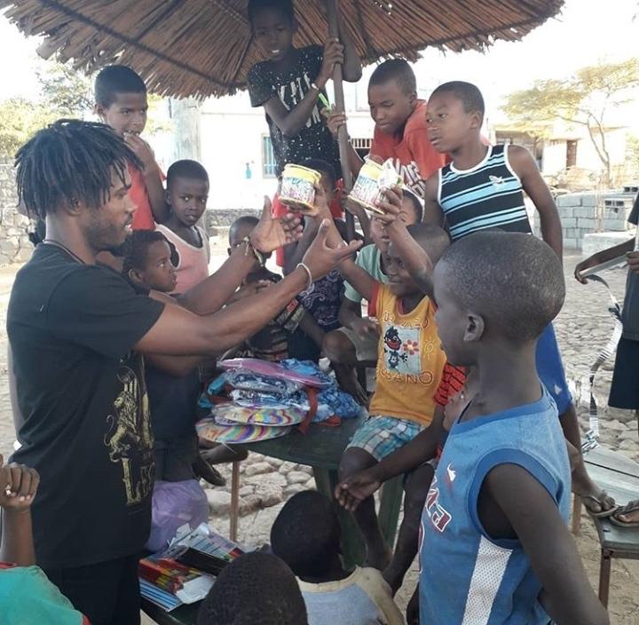 Donation aux enfants du village de Rabelados